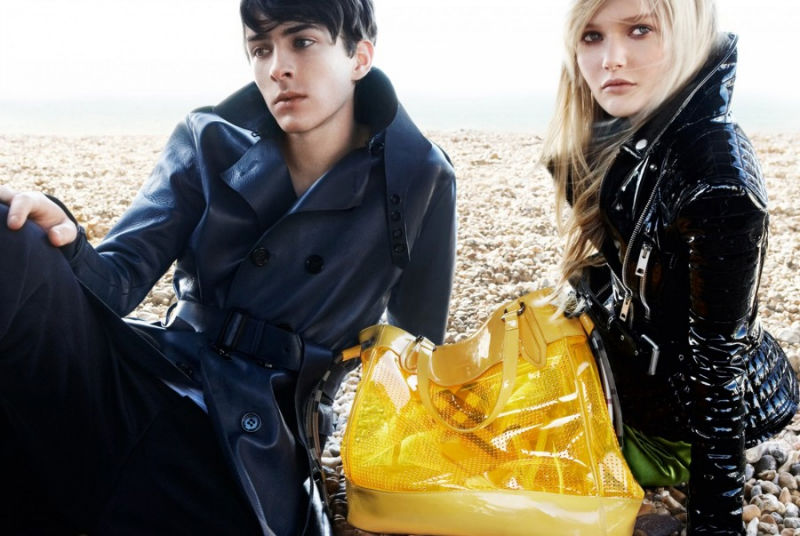 burberrycampaign matthew1 Burberry Spring 2011 Campaign (April) | Matthew Beard by Mario Testino