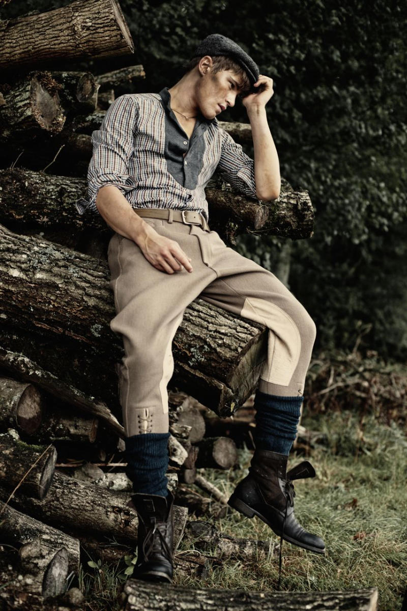 farandaway11 Oliver Cheshire, Chris Doe & Ashley Radford by Charl Marais for <em>7th Man</em>