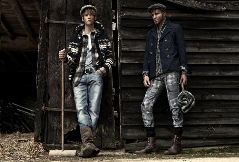 farandaway2 Oliver Cheshire, Chris Doe & Ashley Radford by Charl Marais for <em>7th Man</em>