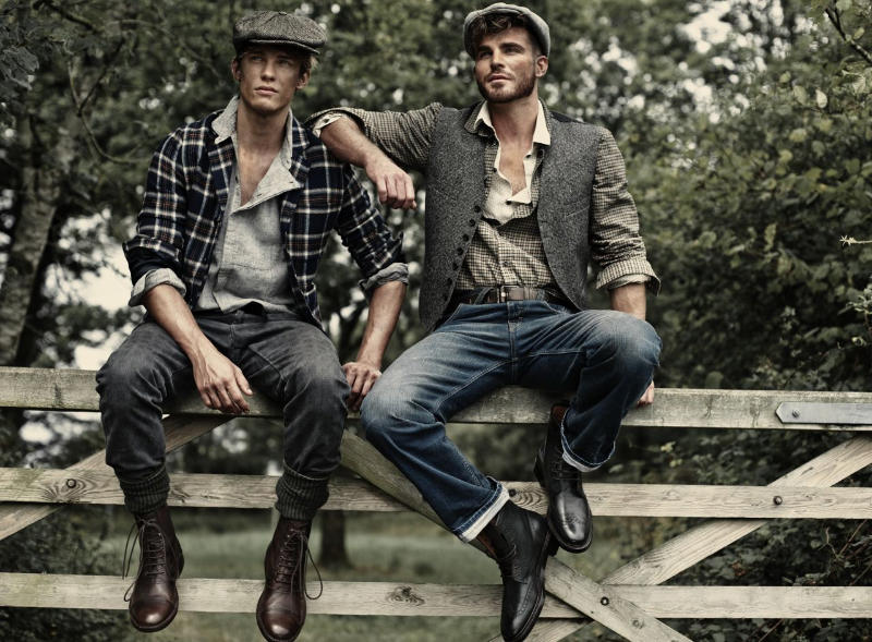 farandaway6 Oliver Cheshire, Chris Doe & Ashley Radford by Charl Marais for <em>7th Man</em>