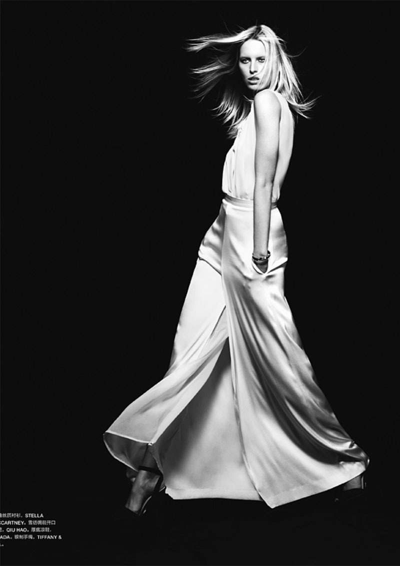 karolina kurkova3 Karolina Kurkova by John Paul Pietrus for <em>Numéro China</em> March 2011